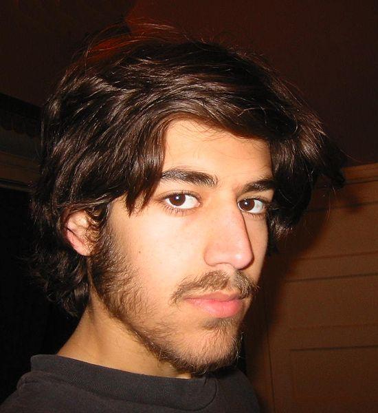 Hacker activist Aaron Swartz commits suicide